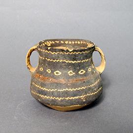 彩陶双耳壺
